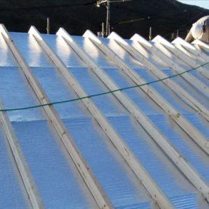 屋根面にも二重の空気層を設けることで外気温をシャットアウト